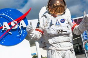 【NASAの給料】アメリカ航空宇宙局の宇宙飛行士や他の職種の年収は高い?ナサの収入事情を徹底解説!
